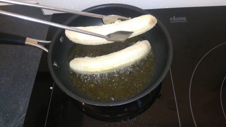 Déposez les bananes dans l'Huile d'Olive