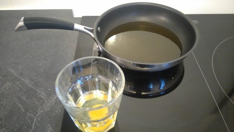 Préparez l'œuf dans un verre