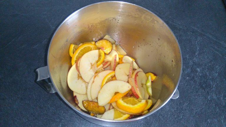 Les lamelles de fruits sont prêtes