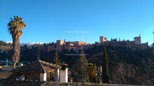Vue sur l'Alhambra et les sommets de la Sierra Nevada