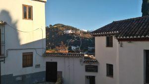 Vue sur la Generalife et les sommets neigeux de la Sierra Nevada