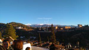 Vue des sommets neigeux de la Sierra Nevada et de l'Alhambra depuis le Mirador San Nicolas