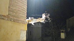 Vue de l'Alhambra depuis une ruelle étroite du quartier Albaycín