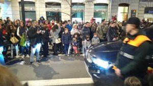 La sécurité est présente dans le défilé, merci aux gardes :-)