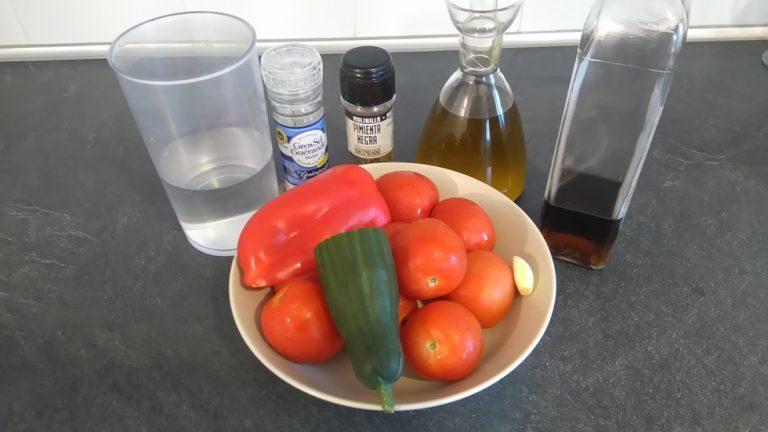 Préparez les ingrédients du Gazpacho