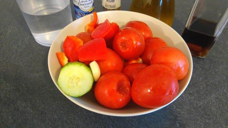 Épluchez les légumes