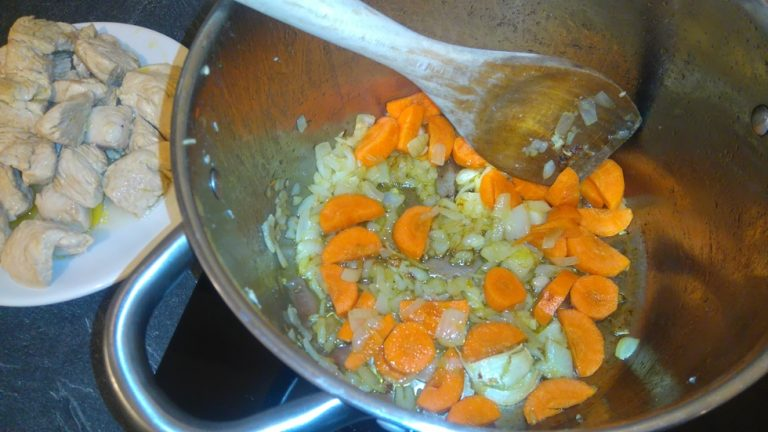 Ajoutez les morceaux de carottes