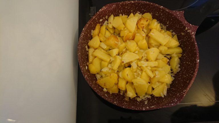 Lorsque les pommes de terre sont suffisamment cuites