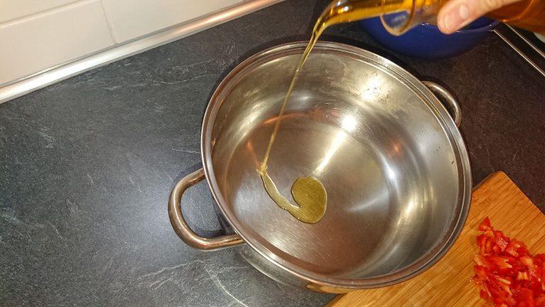 Ajoutez de l'Huile d¡olive dans la casserole