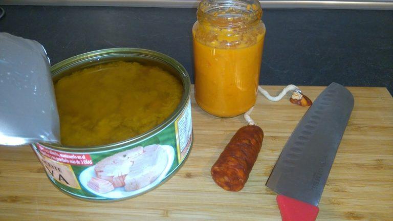 Ingrédient pour la Sauce Tomate au Chorizo et au Thon - Salsa de Tomate con Chorizo y Atún